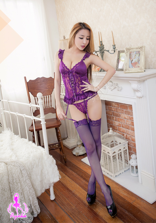 附圖2-吊襪帶 深紫蕾絲四件式馬甲組