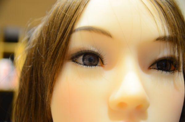 附圖8-真人比例全矽膠-關節可動仿真膚質135公分高 真人娃娃 - 搶先到港